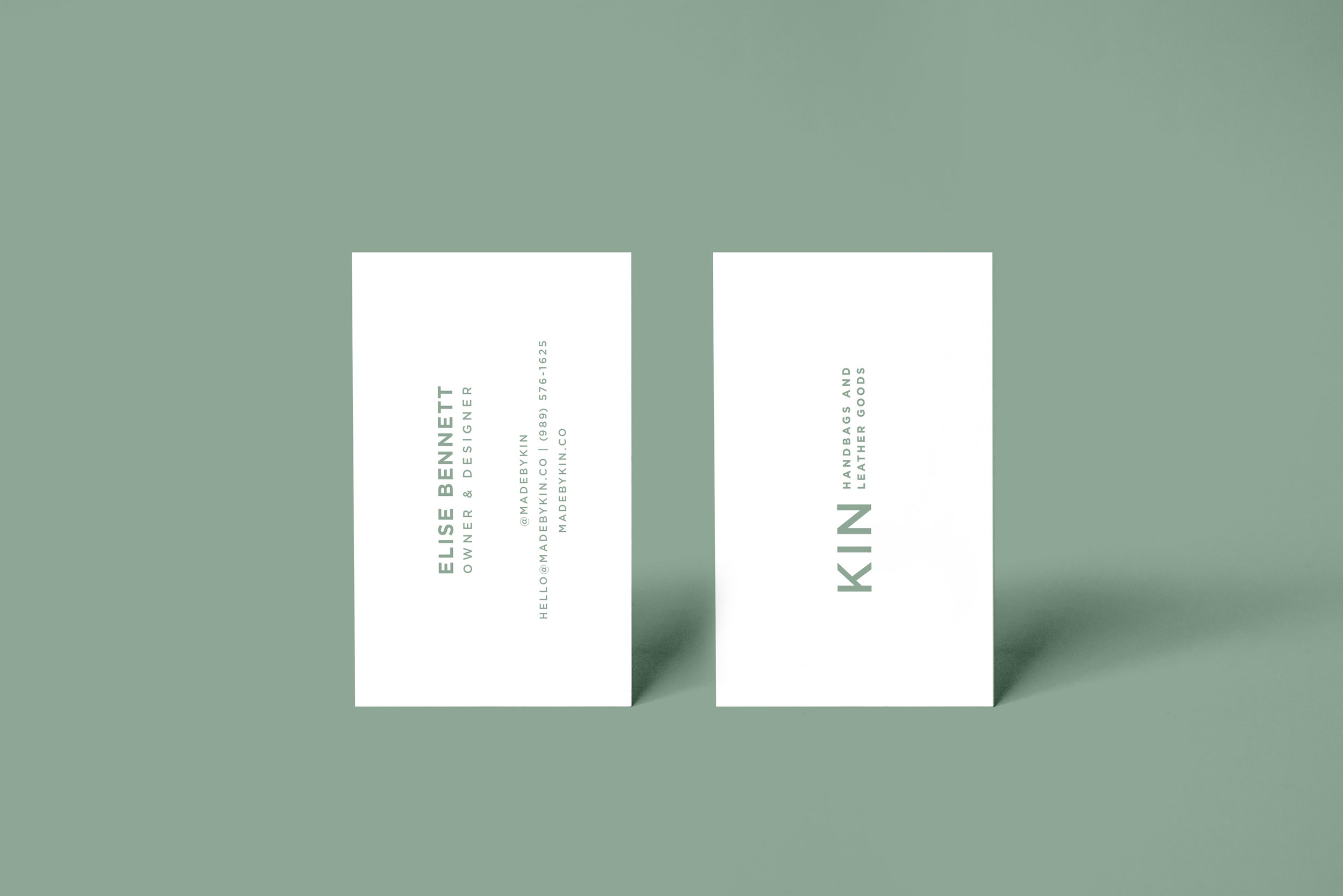 Realistic-business-card-mockup.jpg