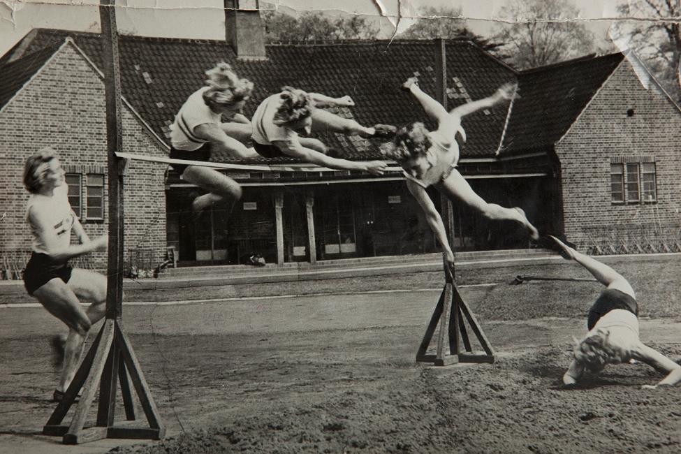 Dorothy Tyler doing the high jump