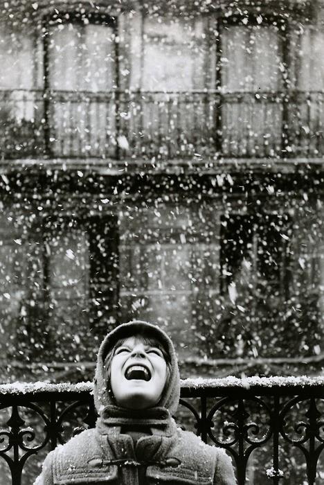 Edouard Boubat, Catching Snowflakes, Paris, France 1960