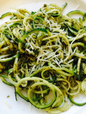 Summer on a plate: Mine Pesto with Spiralized Zucckini