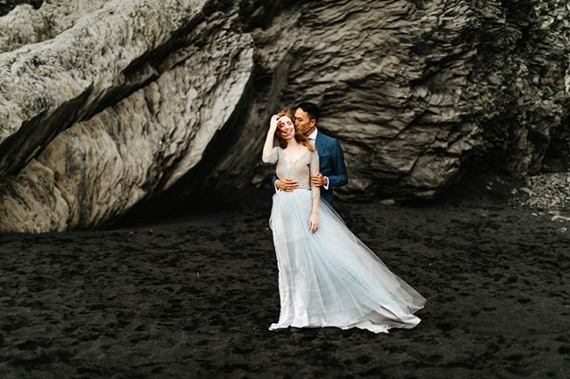 Keeping warm on a windy day in Dyrhólaey with Erin and Toy. —⠀⠀⠀⠀⠀⠀⠀⠀⠀ —⠀⠀⠀⠀⠀⠀⠀⠀⠀ —⠀⠀⠀⠀⠀⠀⠀⠀⠀ —⠀⠀⠀⠀⠀⠀⠀⠀⠀ —⠀⠀⠀⠀⠀⠀⠀⠀⠀ #agameoftones #lookslikefilm #fineartphotography #luxurywedding #weddingphotography #weddinginspo #weddingstyle #theknot #instyle #marthaweddings #patfureyphotography #icelandwedding #destinationwedding⠀⠀⠀⠀⠀⠀⠀⠀⠀ #vogue