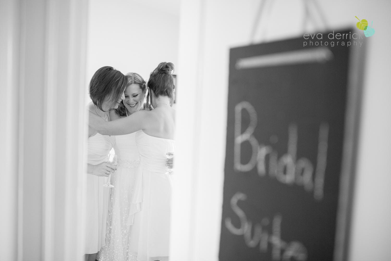 toronto-wedding-photographer-toronto-weddings-GTA-backyard-weddings-eva-derrick-photography-0131.jpg