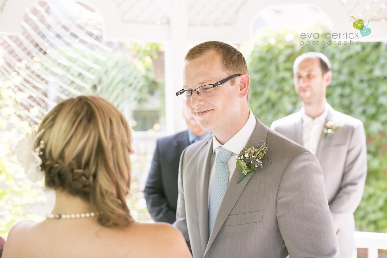 toronto-wedding-photographer-toronto-weddings-GTA-backyard-weddings-eva-derrick-photography-0320.jpg