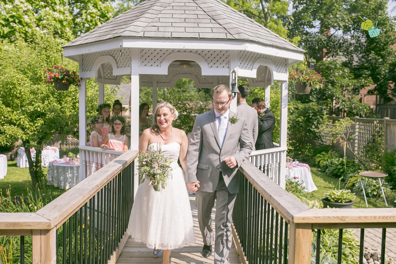 toronto-wedding-photographer-toronto-weddings-GTA-backyard-weddings-eva-derrick-photography-0345.jpg