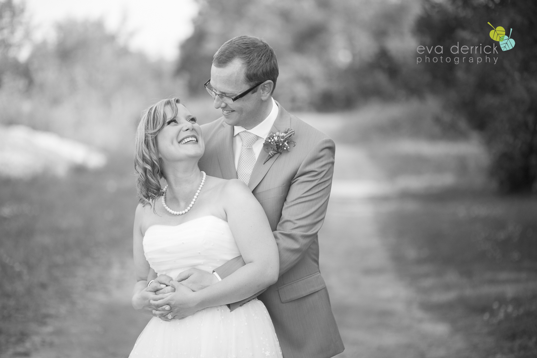 toronto-wedding-photographer-toronto-weddings-GTA-backyard-weddings-eva-derrick-photography-0469.jpg