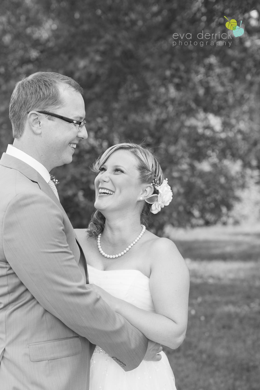 toronto-wedding-photographer-toronto-weddings-GTA-backyard-weddings-eva-derrick-photography-0461.jpg
