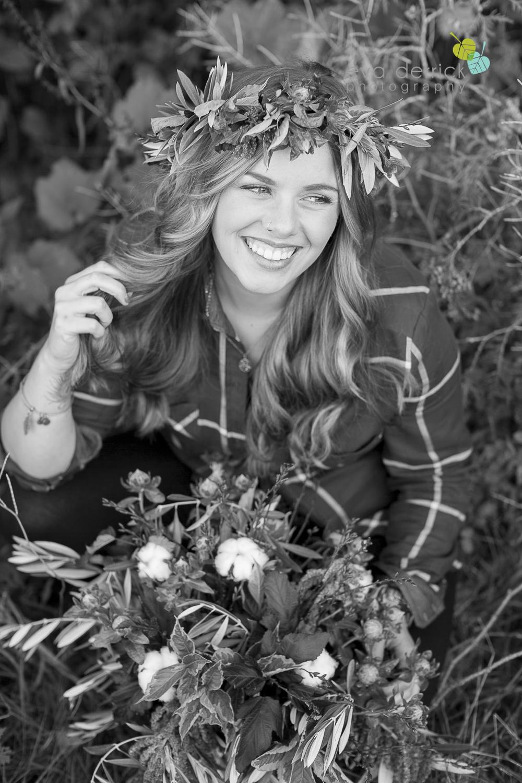niagara-wedding-photographer-niagara-wedding-photographer-engagement-photographer-niagara-engagements-engagement-session-honsberger-estate-winery-wedding-venue-farm-barn-barn-weddings-eva-derrick-photography-florals-floral-crown-bouquet-oohlala-oh-la-la-designs-niagara-florist-photography-photographs-couples-couple-photo-edp_e_britney_matt-0115.jpg