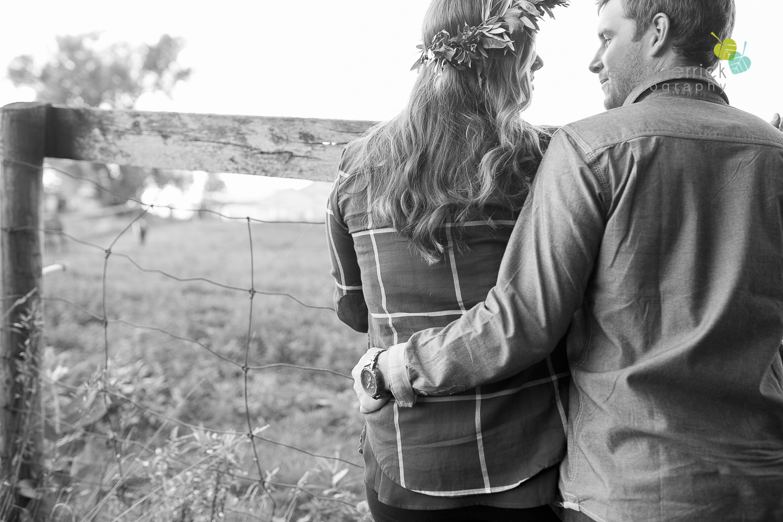 niagara-wedding-photographer-niagara-wedding-photographer-engagement-photographer-niagara-engagements-engagement-session-honsberger-estate-winery-wedding-venue-farm-barn-barn-weddings-eva-derrick-photography-florals-floral-crown-bouquet-oohlala-oh-la-la-designs-niagara-florist-photography-photographs-couples-couple-photo-edp_e_britney_matt-0178.jpg