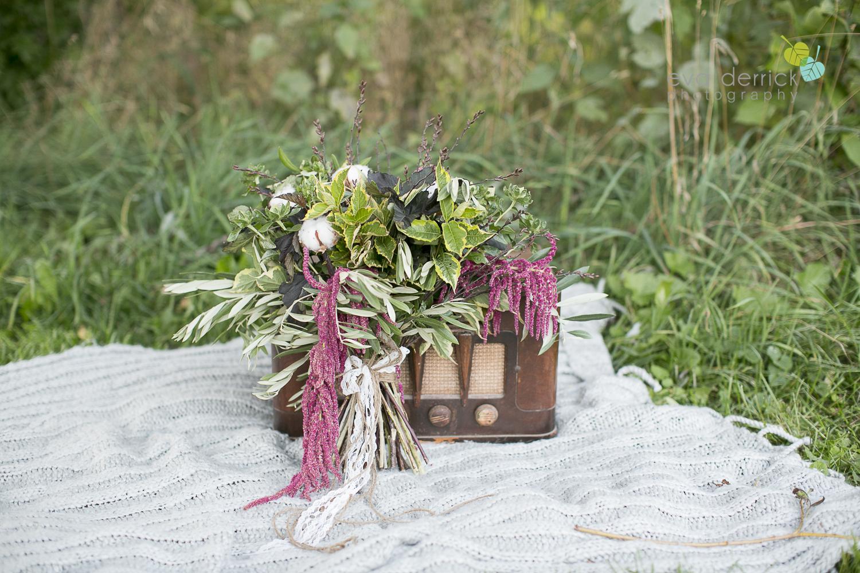 niagara-wedding-photographer-niagara-wedding-photographer-engagement-photographer-niagara-engagements-engagement-session-honsberger-estate-winery-wedding-venue-farm-barn-barn-weddings-eva-derrick-photography-florals-floral-crown-bouquet-oohlala-oh-la-la-designs-niagara-florist-photography-photographs-couples-couple-photo-edp_e_britney_matt-0209.jpg