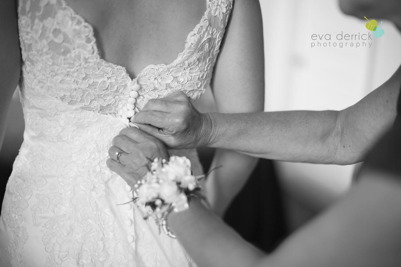 niagara-wedding-photographer-niagara-weddings-niagara-region-wedding-photographer-honsberger-estate-winery-inn-on-the-twenty-elegant-wedding-magazine-niagara-on-the-lake-eva-derrick-photo