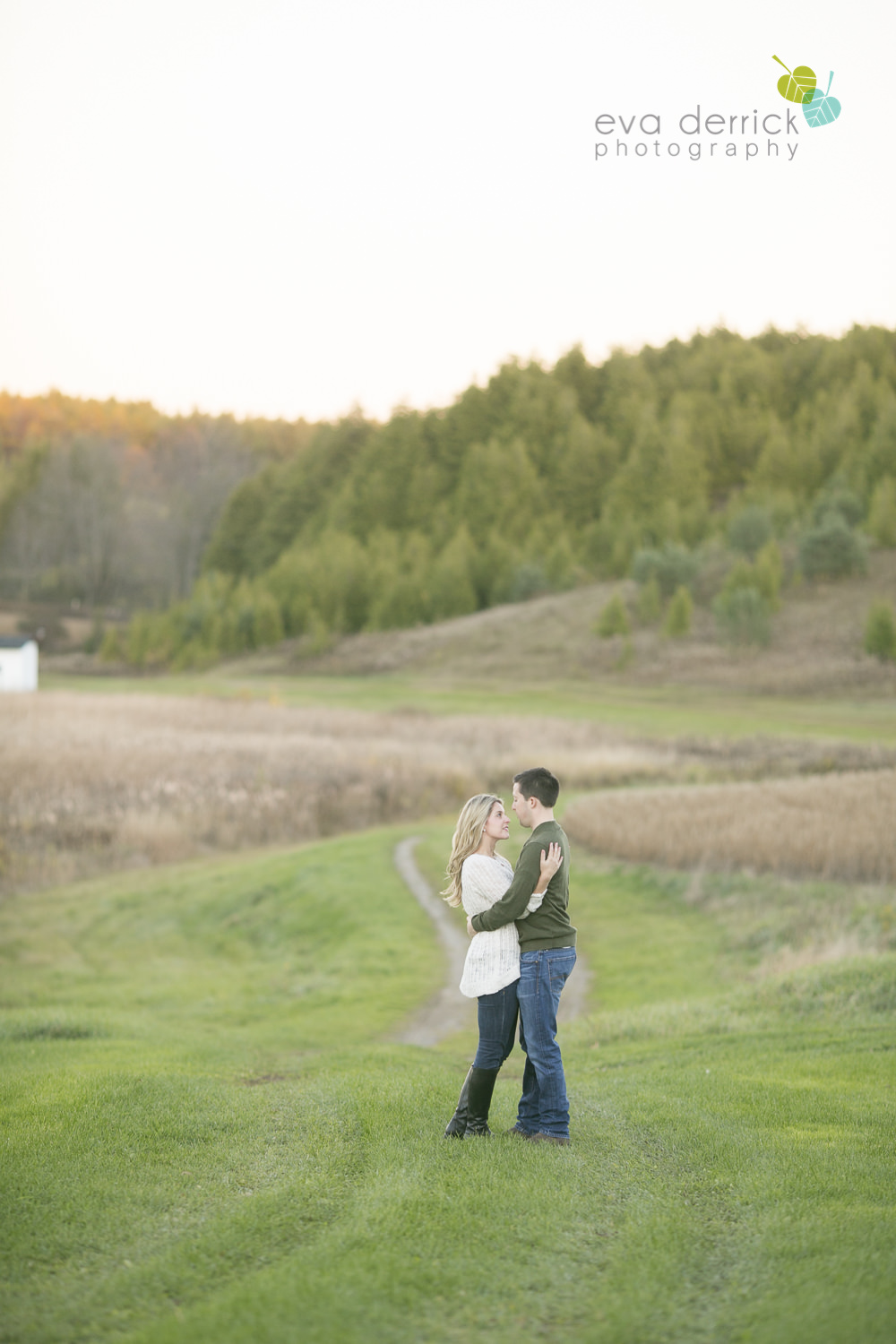 Albion-Hills-Photographer-Engagement-Session-Alanna-Matt-photography-by-Eva-Derrick-Photography-023.JPG