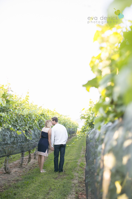 Niagara-Engagement-Photographer-Engagement-Session-Vineyard-Farm-Fields-Beth-Dan-photography-by-Eva-Derrick-Photography-009.JPG