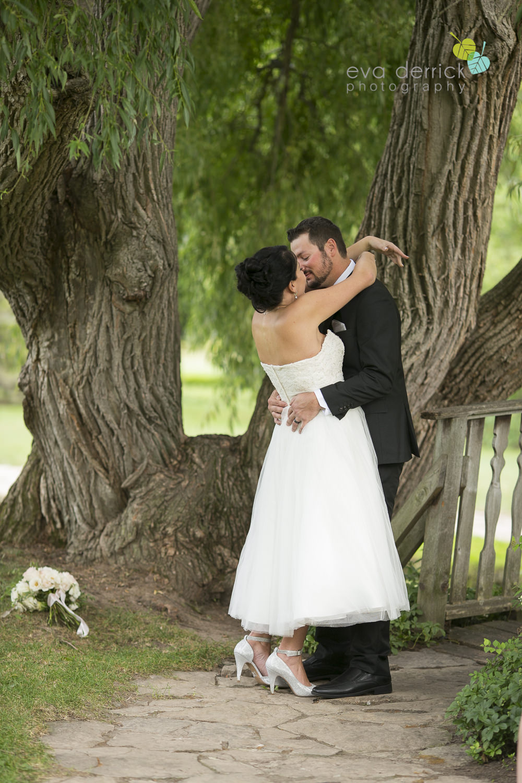 School-of-Horticulture-Weddings-Niagara-Weddings-Niagara-Wedding-Photographer-photography-by-Eva-Derrick-Photography-003.JPG