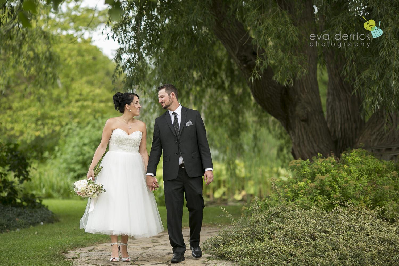 School-of-Horticulture-Weddings-Niagara-Weddings-Niagara-Wedding-Photographer-photography-by-Eva-Derrick-Photography-005.JPG