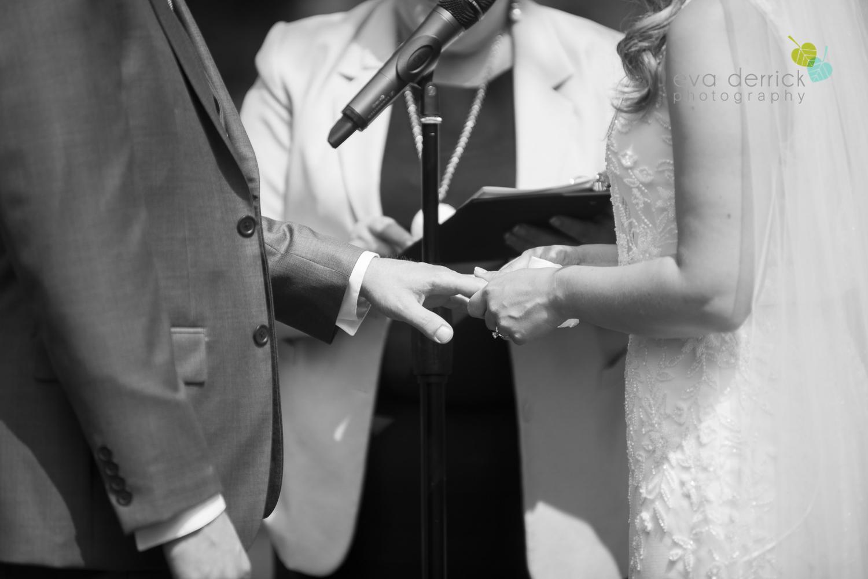 Kurtz-Orchards-Wedding-Niagara-Weddings-Niagara-Photographer-Queenston-Wedding-Photographer-photography-by-Eva-Derrick-Photography-031.jpg