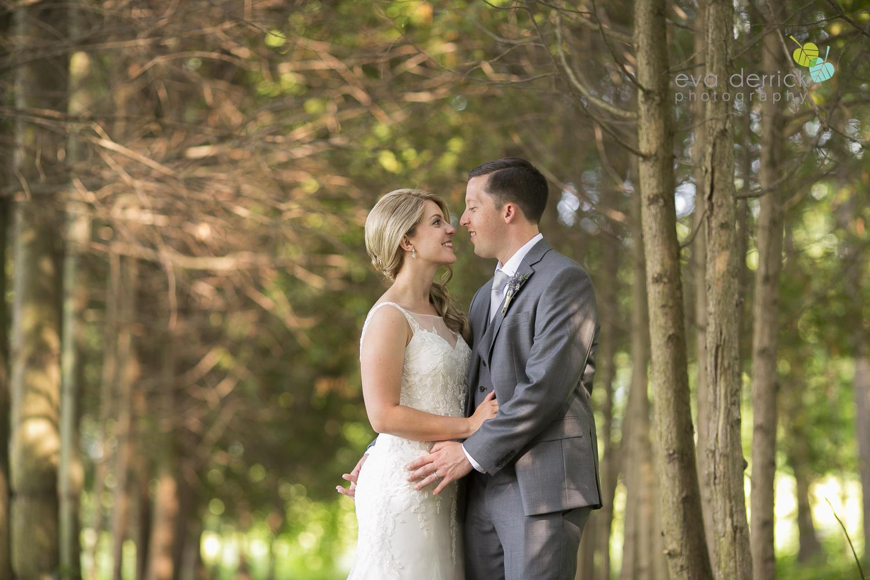 Kurtz-Orchards-Wedding-Niagara-Weddings-Niagara-Photographer-Queenston-Wedding-Photographer-photography-by-Eva-Derrick-Photography-043.jpg