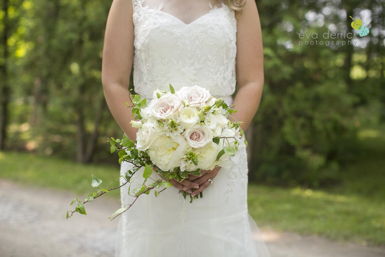 Kurtz-Orchards-Wedding-Niagara-Weddings-Niagara-Photographer-Queenston-Wedding-Photographer-photography-by-Eva-Derrick-Photography-044.jpg