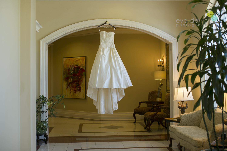 Niagara-on-the-Lake-Wedding-Photographer-Queens-Landing-Vintage-Hotels-Niagara-Weddings-photography-by-Eva-Derrick-Photography-006.JPG