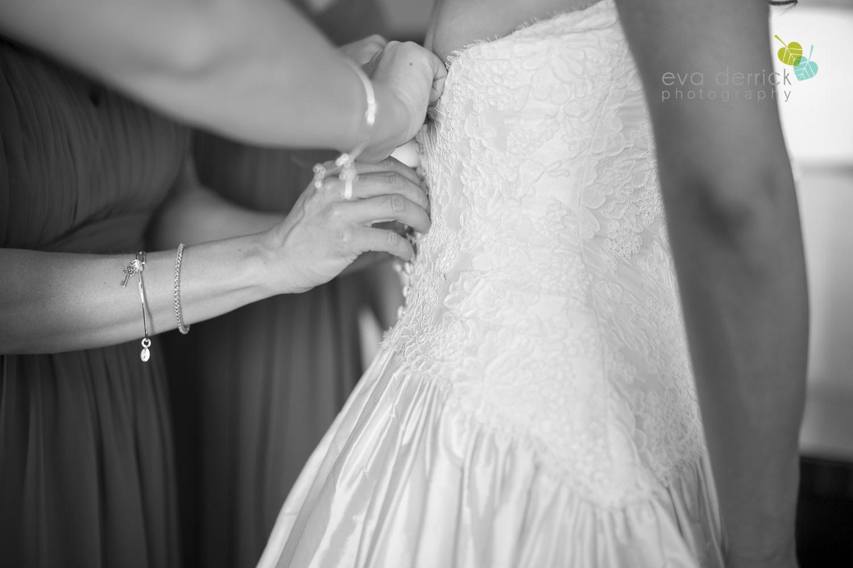 Niagara-on-the-Lake-Wedding-Photographer-Queens-Landing-Vintage-Hotels-Niagara-Weddings-photography-by-Eva-Derrick-Photography-009.JPG