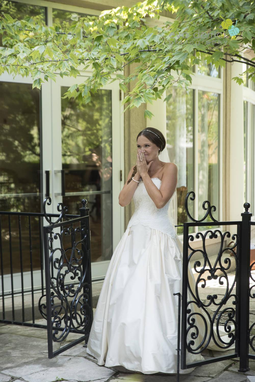Niagara-on-the-Lake-Wedding-Photographer-Queens-Landing-Vintage-Hotels-Niagara-Weddings-photography-by-Eva-Derrick-Photography-014.JPG
