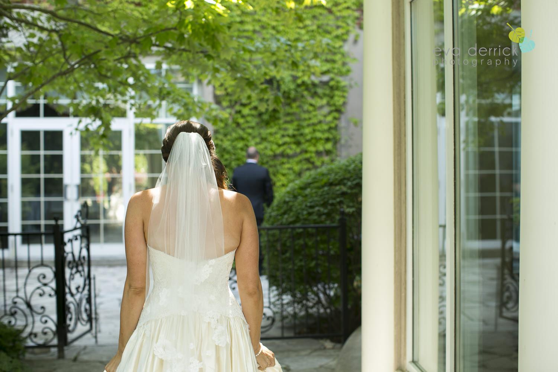 Niagara-on-the-Lake-Wedding-Photographer-Queens-Landing-Vintage-Hotels-Niagara-Weddings-photography-by-Eva-Derrick-Photography-013.JPG