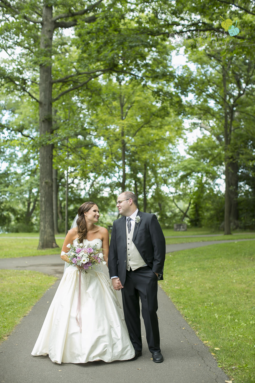 Niagara-on-the-Lake-Wedding-Photographer-Queens-Landing-Vintage-Hotels-Niagara-Weddings-photography-by-Eva-Derrick-Photography-020.JPG