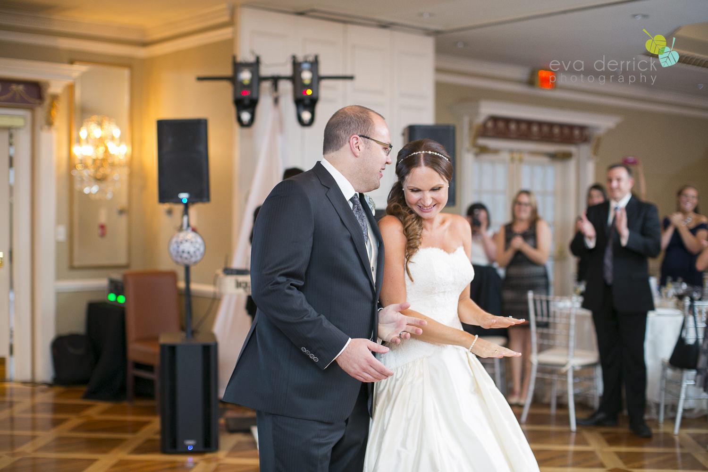 Niagara-on-the-Lake-Wedding-Photographer-Queens-Landing-Vintage-Hotels-Niagara-Weddings-photography-by-Eva-Derrick-Photography-054.JPG