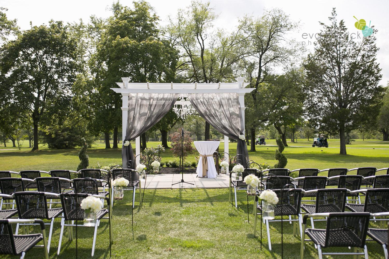 Niagara-Wedding-Photographer-Willodell-Golf-Course-Niagara-Weddings-photography-by-Eva-Derrick-Photography-014.JPG