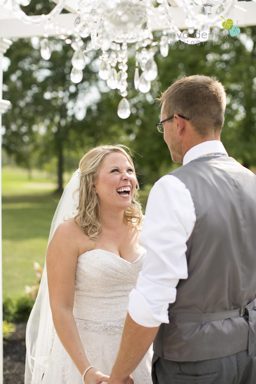 Niagara-Wedding-Photographer-Willodell-Golf-Course-Niagara-Weddings-photography-by-Eva-Derrick-Photography-024.JPG