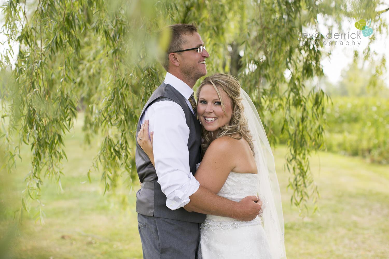 Niagara-Wedding-Photographer-Willodell-Golf-Course-Niagara-Weddings-photography-by-Eva-Derrick-Photography-026.JPG