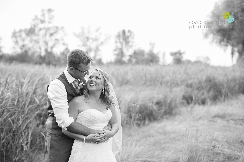 Niagara-Wedding-Photographer-Willodell-Golf-Course-Niagara-Weddings-photography-by-Eva-Derrick-Photography-028.JPG