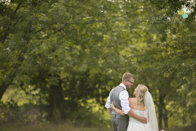 Niagara-Wedding-Photographer-Willodell-Golf-Course-Niagara-Weddings-photography-by-Eva-Derrick-Photography-032.JPG