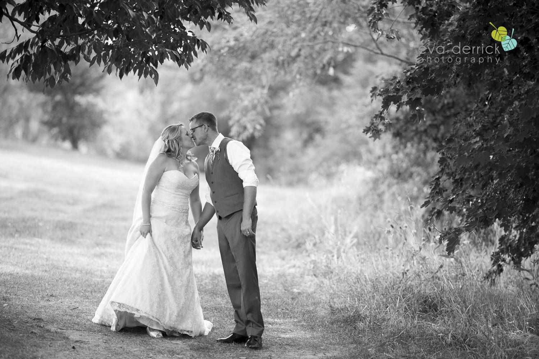 Niagara-Wedding-Photographer-Willodell-Golf-Course-Niagara-Weddings-photography-by-Eva-Derrick-Photography-035.JPG