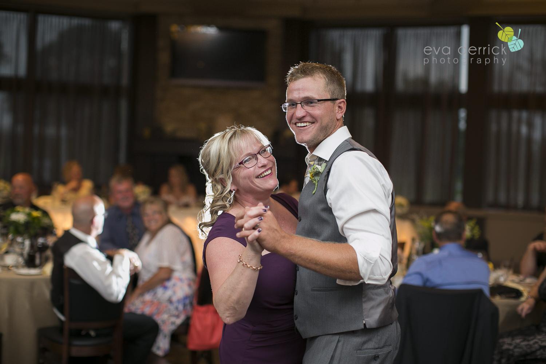Niagara-Wedding-Photographer-Willodell-Golf-Course-Niagara-Weddings-photography-by-Eva-Derrick-Photography-046.JPG