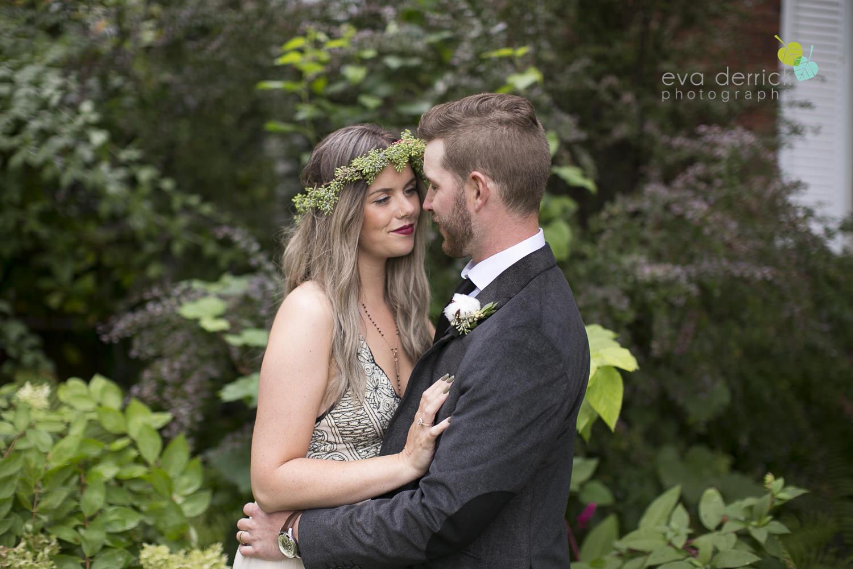 Honsberger-Estate-Wedding-Photographer-Niagara-Weddings-photography-by-Eva-Derrick-Photography-056.JPG