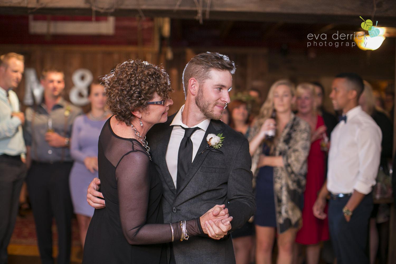 Honsberger-Estate-Wedding-Photographer-Niagara-Weddings-photography-by-Eva-Derrick-Photography-085.JPG