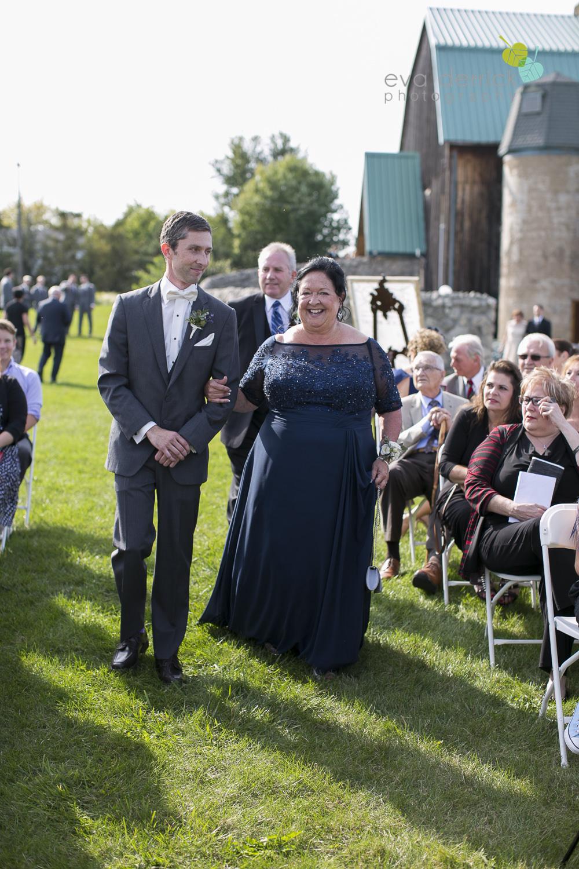 St-Catharines-Wedding-Photographer-Hernder-Estate-Wines-Niagara-Weddings-photography-by-Eva-Derrick-Photography-019.JPG