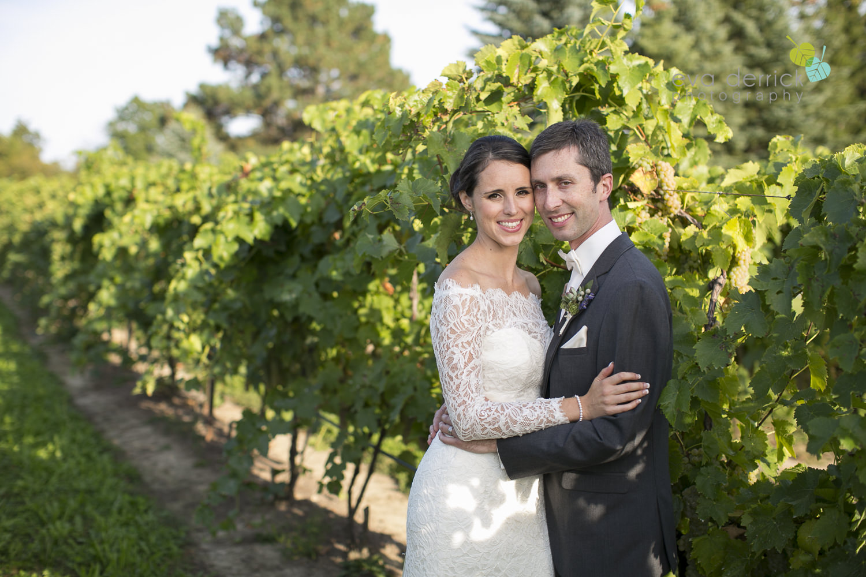 St-Catharines-Wedding-Photographer-Hernder-Estate-Wines-Niagara-Weddings-photography-by-Eva-Derrick-Photography-033.JPG