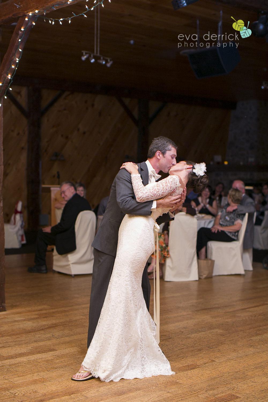 St-Catharines-Wedding-Photographer-Hernder-Estate-Wines-Niagara-Weddings-photography-by-Eva-Derrick-Photography-047.JPG