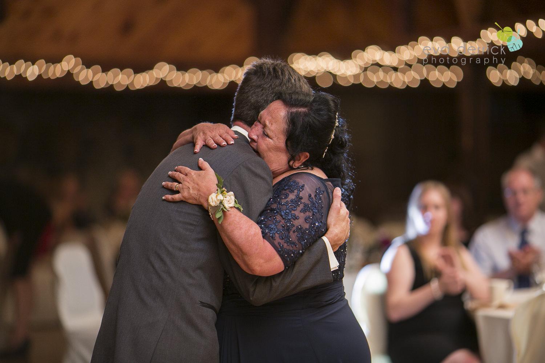 St-Catharines-Wedding-Photographer-Hernder-Estate-Wines-Niagara-Weddings-photography-by-Eva-Derrick-Photography-049.JPG