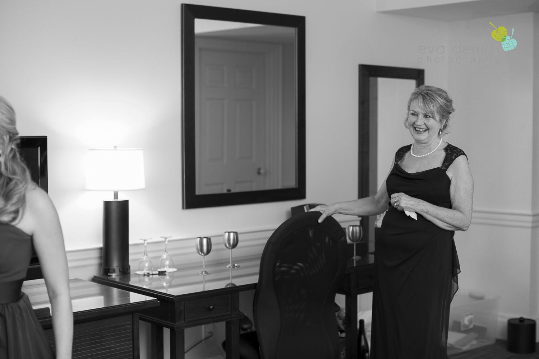 Niagara-on-the-Lake-Wedding-Photographer-Pillar-and-Post-Vintage-Hotels-Niagara-Weddings-photography-by-Eva-Derrick-Photography-011.JPG