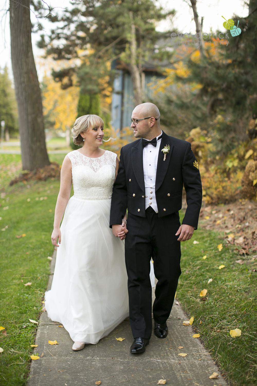 Niagara-on-the-Lake-Wedding-Photographer-Pillar-and-Post-Vintage-Hotels-Niagara-Weddings-photography-by-Eva-Derrick-Photography-031.JPG