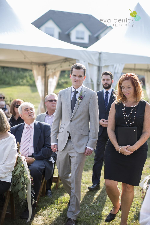 Organized-Crime-Winery-Wedding-Niagara-Wedding-photography-by-Eva-Derrick-Photography-007.JPG