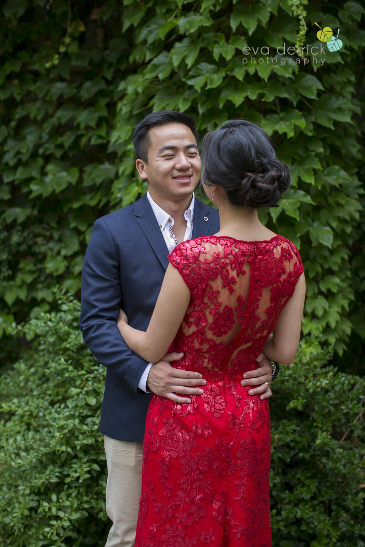 Niagara-on-the-Lake-wedding-photographer-tea-ceremony-queens-landing-wedding-photo-by-eva-derrick-photography-0015.JPG