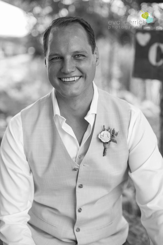 Niagara-Wedding-photographer-outdoor-wedding-photo-by-eva-derrick-photography-004.JPG