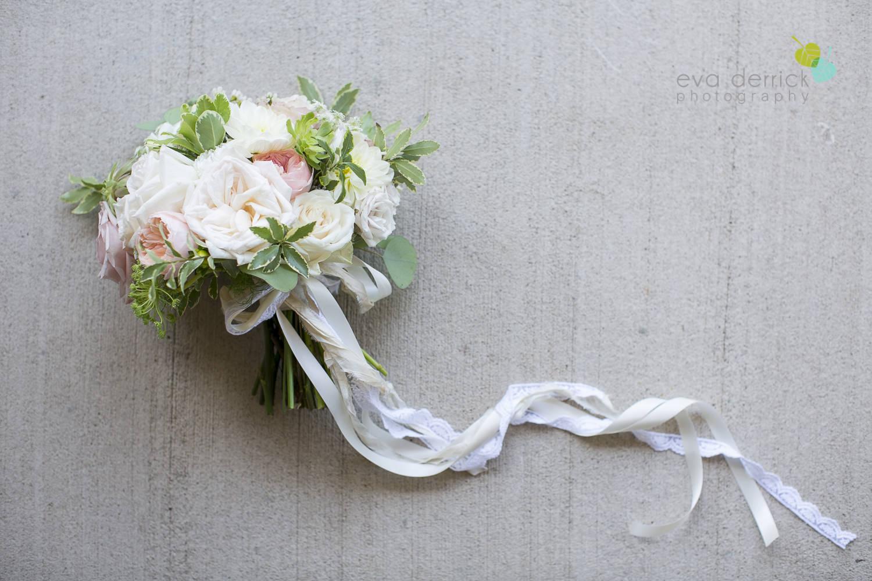 Niagara-Wedding-photographer-outdoor-wedding-photo-by-eva-derrick-photography-009.JPG