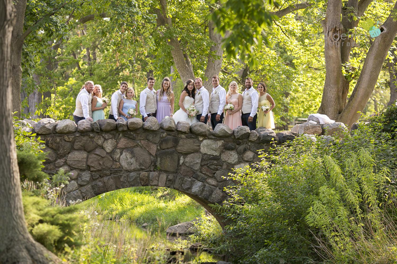 Niagara-Wedding-photographer-outdoor-wedding-photo-by-eva-derrick-photography-019.JPG