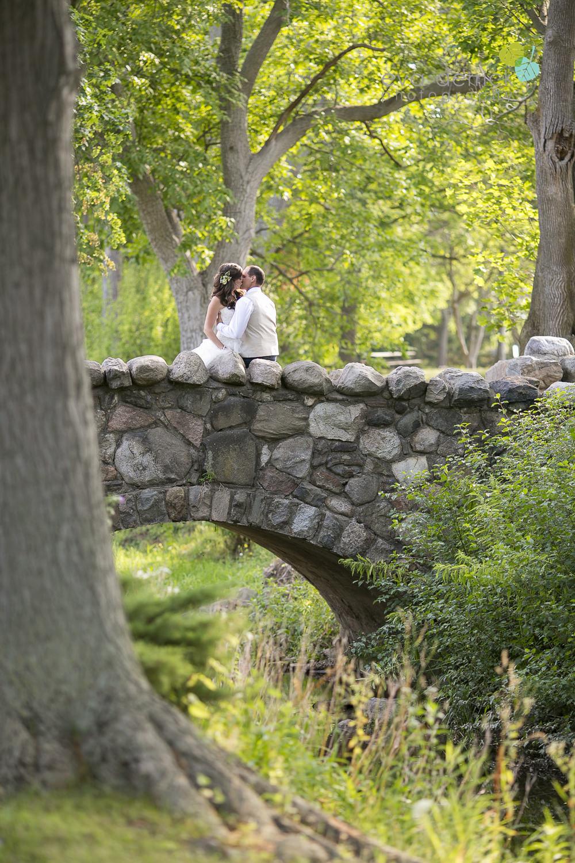 Niagara-Wedding-photographer-outdoor-wedding-photo-by-eva-derrick-photography-024.JPG
