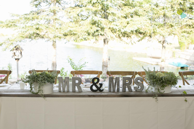 Niagara-Wedding-photographer-outdoor-wedding-photo-by-eva-derrick-photography-032.JPG