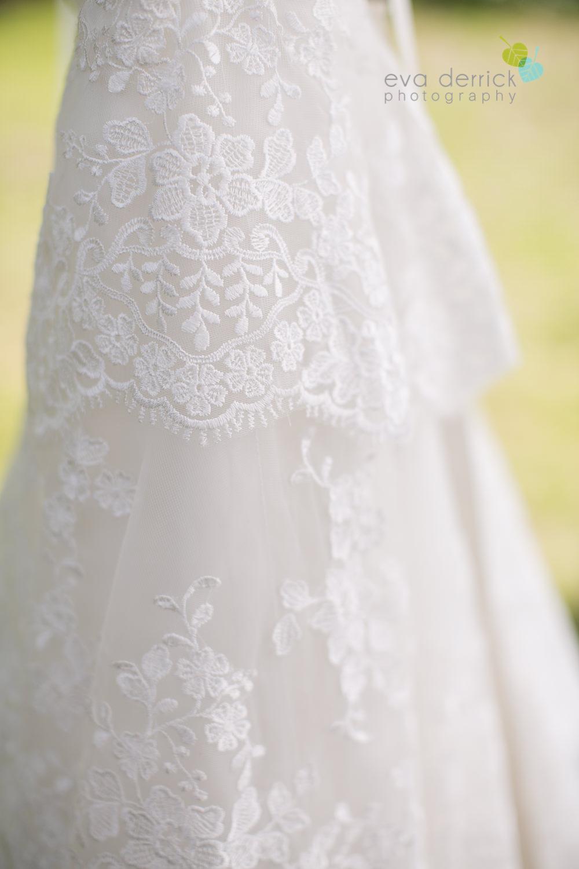 Burlington-Weddings-intimate-weddings-Blacktree-Restaurant-wedding-photo-by-eva-derrick-photography-006.JPG